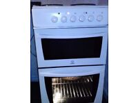Indesit working well electric cooker