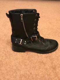 Biker style boots size 9