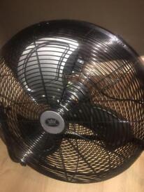 """18"""" Black Fan"""
