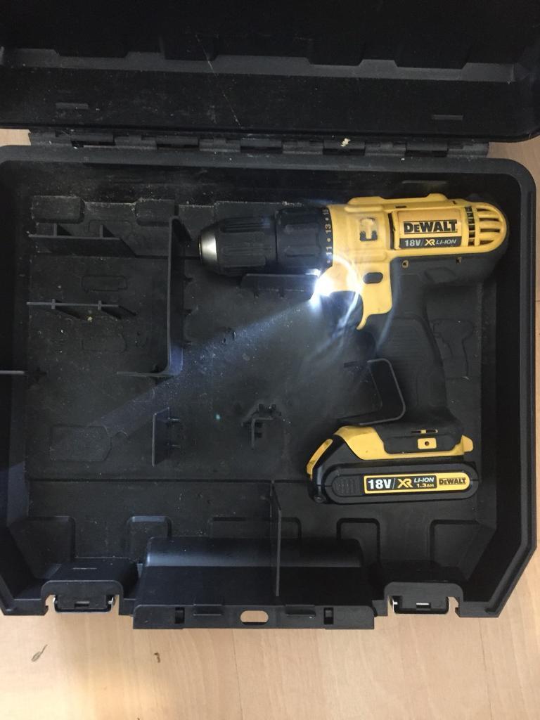 Dewalt 18v drill DCD776