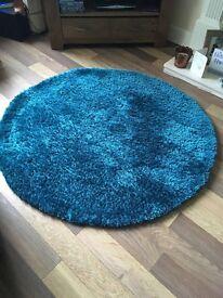 Large circular rug - teal blue