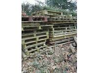 Approx 40 wooden pallets
