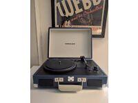 Crosley Vinyl Turntable + Vinyls