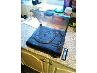 2 Speed Turntable With Cleaning Brush **LIKE NEW**