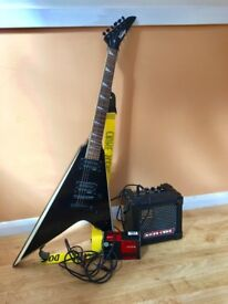 'Vintage' Electric Guitar - Gloss Black, including AMP, leads, distortion pedal and spare strings
