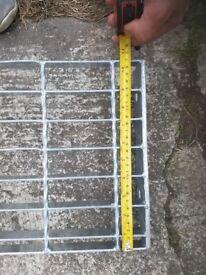 metal galvanised steps 22 pieces