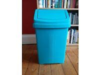Brand new 50 litre teal green swing kitchen bin - unused.