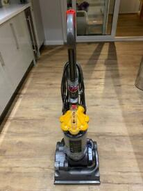 DC33 working order Dyson vacuum