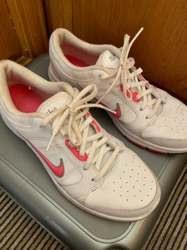 1880a60a8700 Nike good condition size uk 6.5