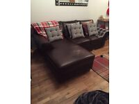 Right hand corner leather sofa in excellent condition