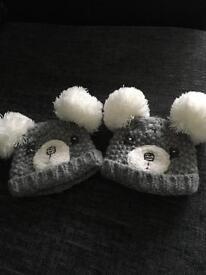 Newborn sizes hats