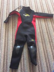 Child's wet suit 5-6