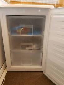 Beko ZA-90w freezer