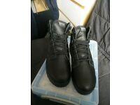 Dr Marten Unisex Black Shirt Boots, size 6 uk