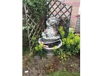 Garden water feathre