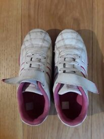 Lonsdale pink trainers size UK 13, EU 32