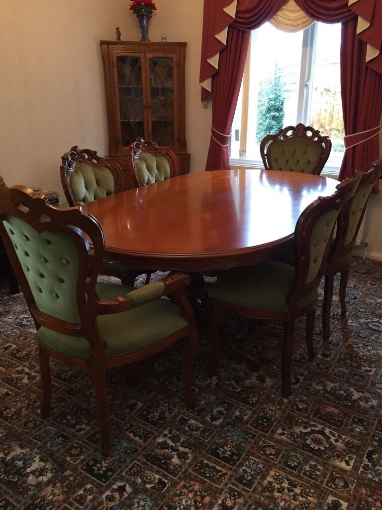 Dining Table And Chairs Italian Reproductionexcellent Condition