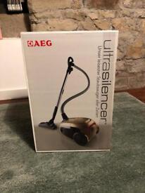 AEG ultra silencer vacuum cleaner brand new 1800w