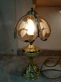 Vintage Tiffany stye table lamp, light