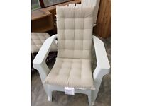 Arondeck deluxe chair white x2 with covers, as per picture