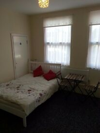 Superb modern Studio 10 minutes from Coventry University £495 per month all inclusive