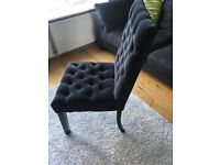 Black buttoned Occasional Chair