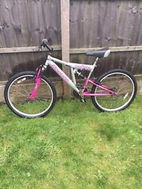 REEBOK SOLSTICE LADIES/TEENS MOUNTAIN BIKE GOOD CONDITION £45