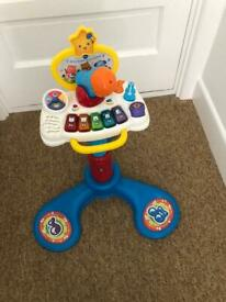 VTech sit to stand keyboard - great condition