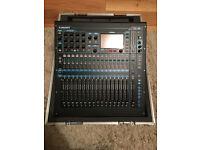 Allen + Heath QU16 - 16 in 12 out Digital mixer - With flightcase - VGC
