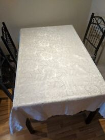 Table cloth white like new