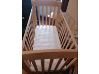 Bedside cot with Moses basket