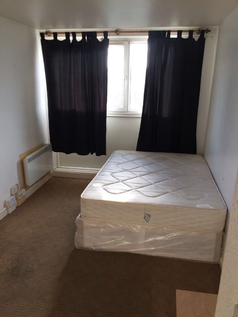 DOUBLE / TWIN ROOM IN A 4TH FLOOR, 10 MINS WALK FROM CAMDEN!