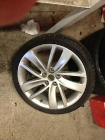 18 inch Vauxhall alloy with part work tyre