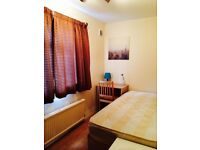 LOVELY BRIGHT SINGLE ROOM , 8 MNT EAST INDIA DLR, 5 MNT CANNING TOWN, CANARY WHARF, 241904