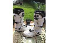 Alpine stars tech 1 motocross boots ( UK size 9)