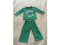 1 Pair of Boy's Pyjamas Size 12-18 Months