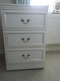 Small 3 drawer chest/bedside cabinet, white with gold trim