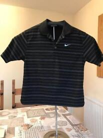 Nike golf polo small boys size 8-10 years excellent condition.