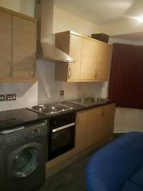 Large Single room all bills included