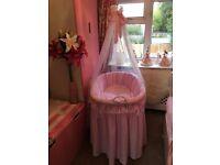 Leipold wicker princess crib