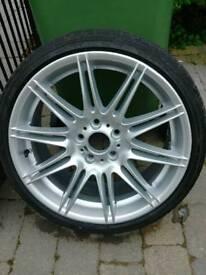 BMW MV4 Front Wheel & 225 30 19