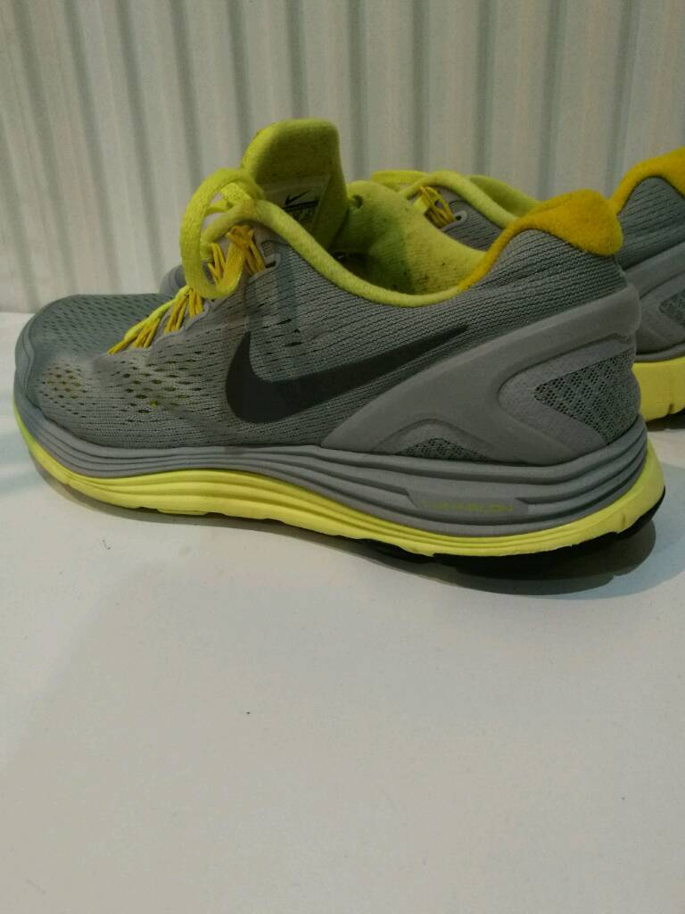 Nike running shoes mens size uk.6in Sighthill, EdinburghGumtree - Listing is for perfect condition Nike running shoes mens size uk.6 thanks for watching