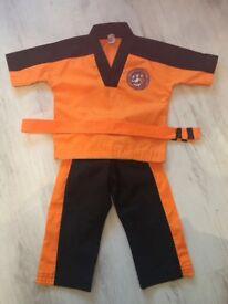 Kids tiger cubs uniform and gloves