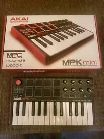 Akai MPX Mini 2 MIDI Controller
