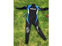 Very good wet suit for a 12 yr old.