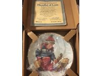 Hamilton Collection Handful Of Love Plate £10