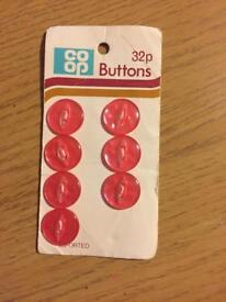 Set of 7 pink buttons *new*