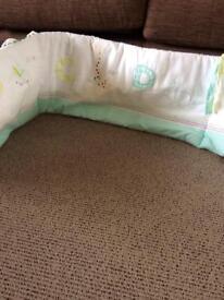 Cot bed bumper set