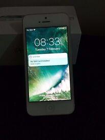 Apple Iphone 5 White Unlocked Grade B Conditions.