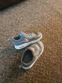 Kids Nike air max thea size 7.5
